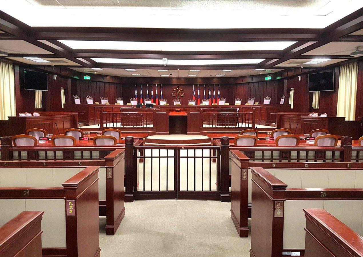 大法官受理軍改團體聲請釋憲,下午進行言詞辯論,預計8月23日前將作出解釋。 圖/...
