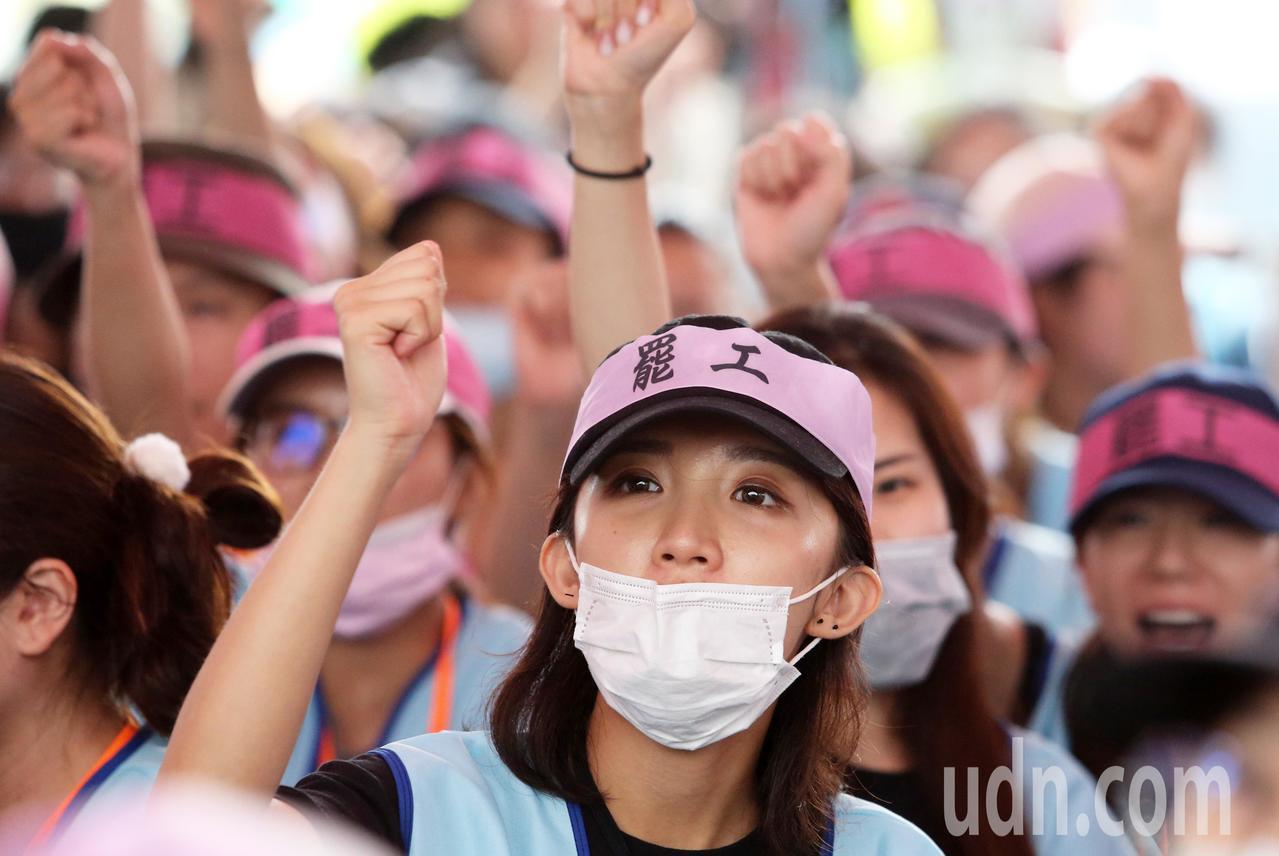長榮航空空服員罷工今天進入第5天。記者胡經周/攝影
