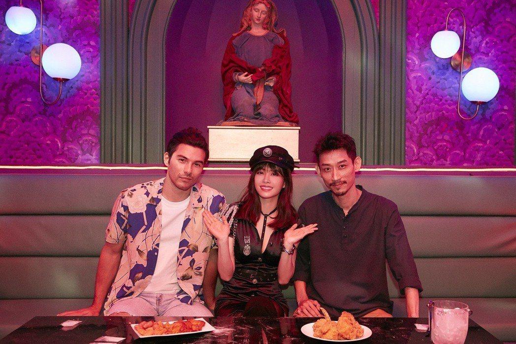 蔡依林(中)邀來鳳小岳(左)、陳竹昇合作飆演技。圖/索尼提供