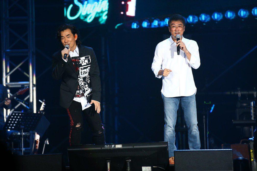 李宗盛(右)邀來任賢齊擔任演唱會嘉賓。圖/相信提供