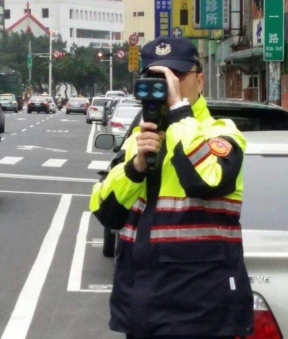 基隆市警方表示,將以不定時、不定點方式在易超速路段取締,加強「速度」管理,避免發...