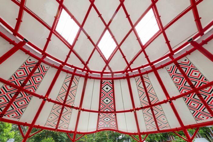 角板山天幕活動場有泰雅族圖騰裝飾。圖/桃園市政府新聞處提供