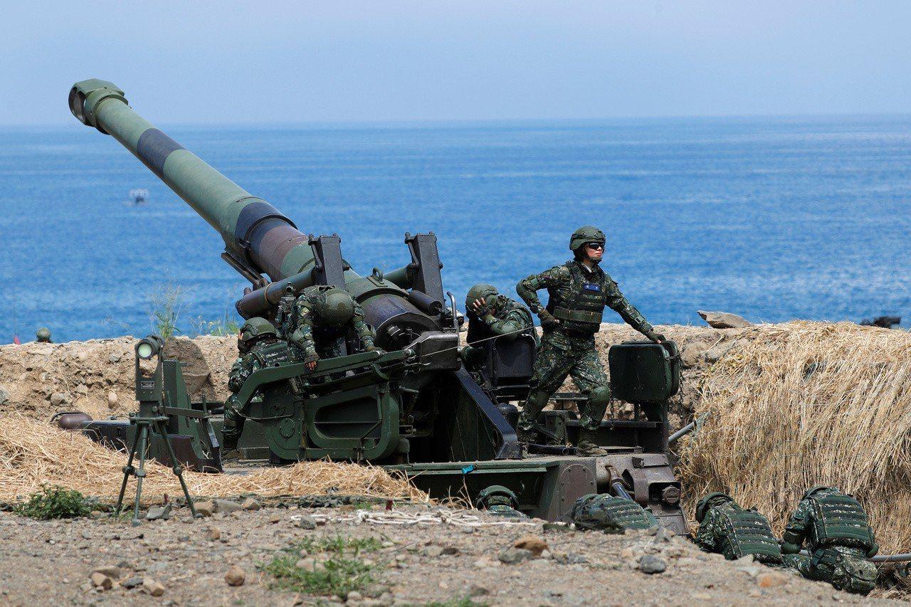 專家認為,台灣沿岸大量的地雷與火炮將使解放軍登陸付出極大代價。路透