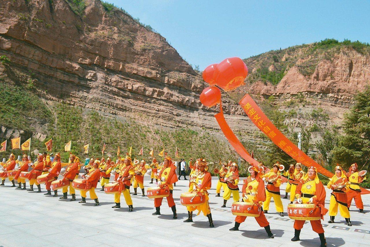 臨汾為「鑼鼓之鄉」,由於擊奏威武雄壯,故稱「威風鑼鼓」。 特派員王玉燕/攝影
