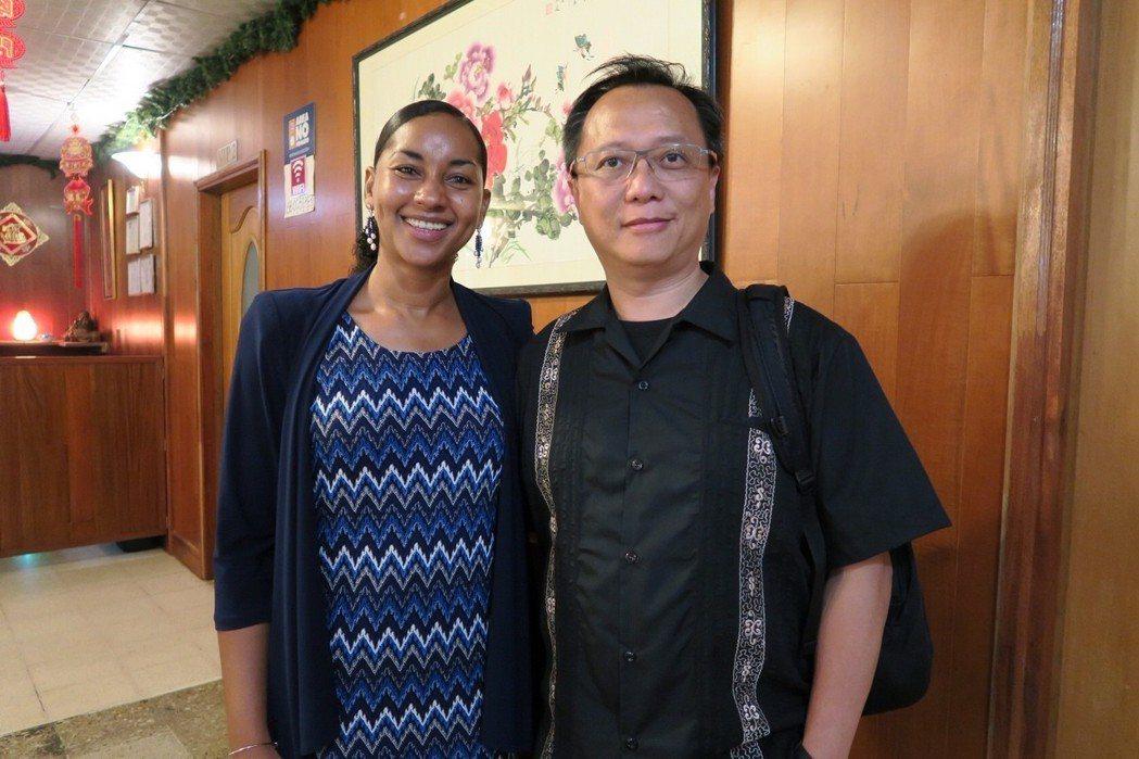 尼國觀光局長Anasha Campbell(左)親自與台灣代表團餐敘交流。業者/...