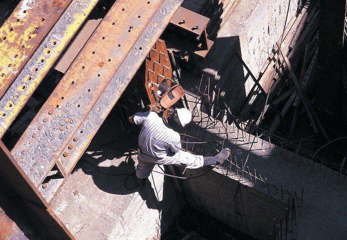「碧波白」全棟採SRC制震鋼骨,萬噸鋼骨搭配萬磅混凝土,全面耐震安全,是可一輩子...