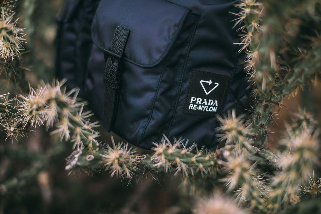 隨著Re-Nylon可再生尼龍膠囊限定系列的上市,Prada也預計在2021年全...