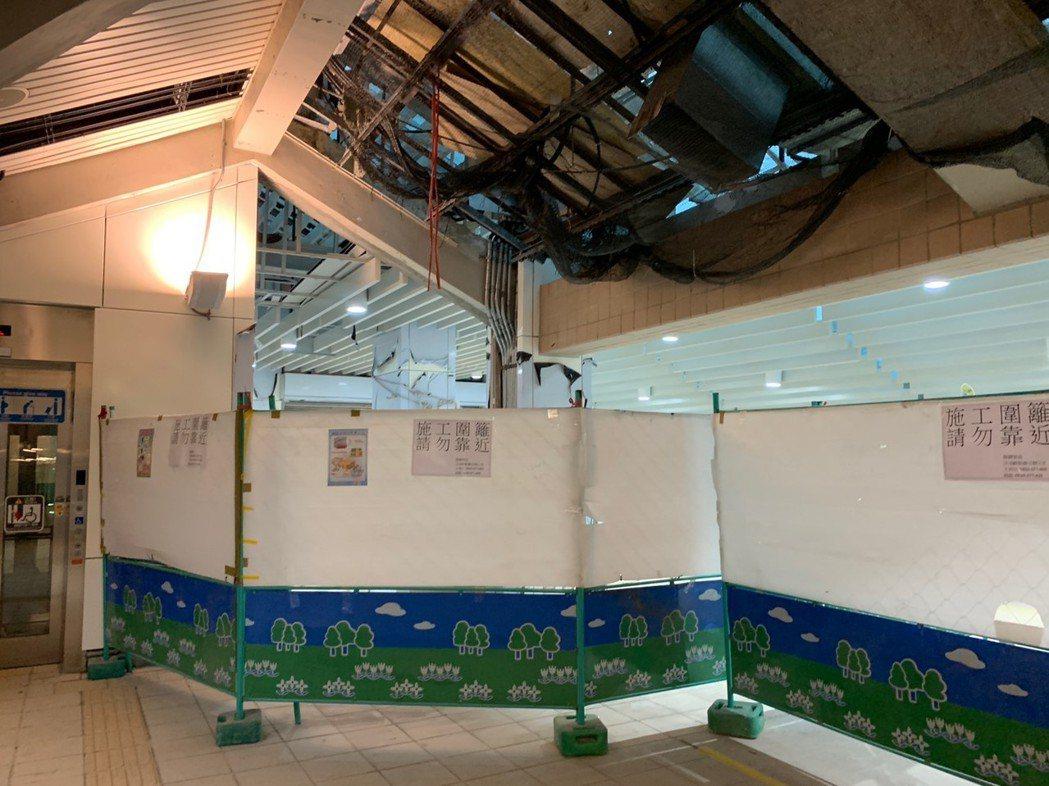 7月1日連通道完工後,乘客可由捷運紅樹林站免出站外,直接通往輕軌紅樹林站月台層,...