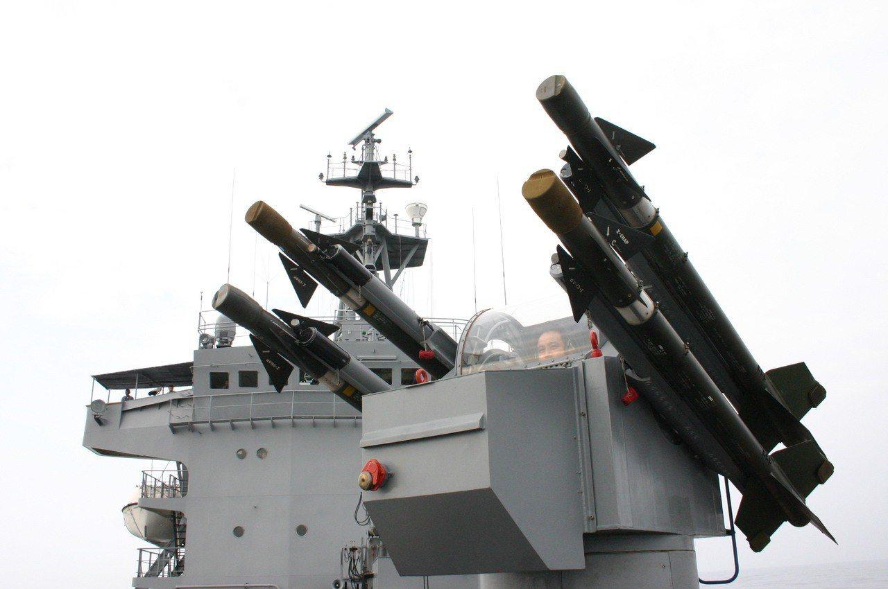 海軍康定級艦上配備的海欉飛彈。記者洪哲政/攝影