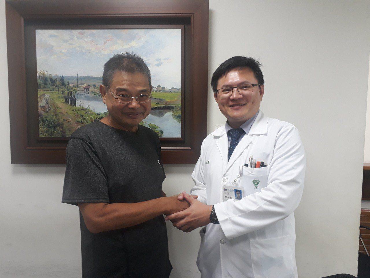 王姓患者感謝林祐丞醫師醫治。記者周宗禎/攝影