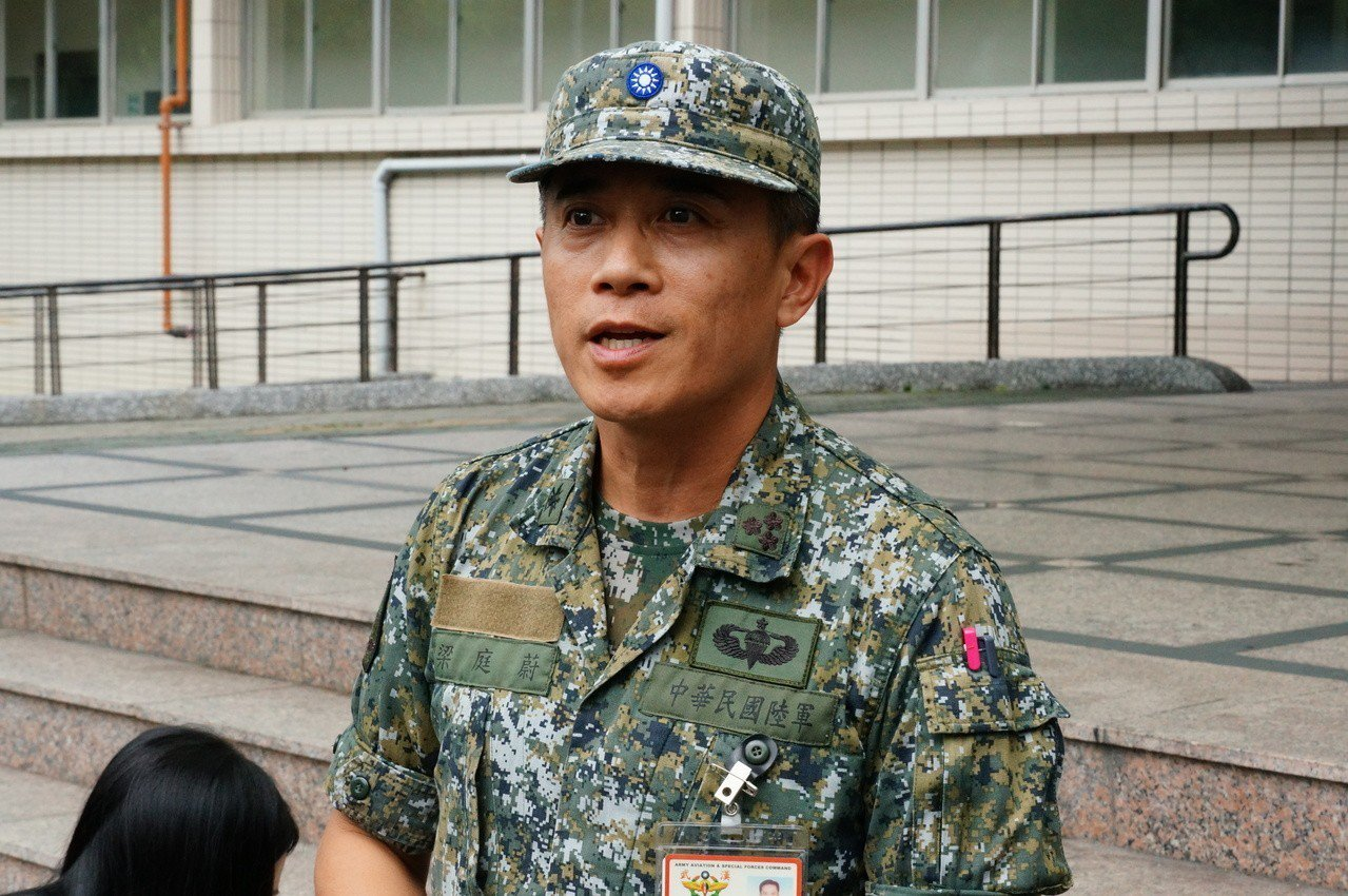 航特部政戰副主任梁庭蔚出面說明事發經過。記者林伯驊/攝影