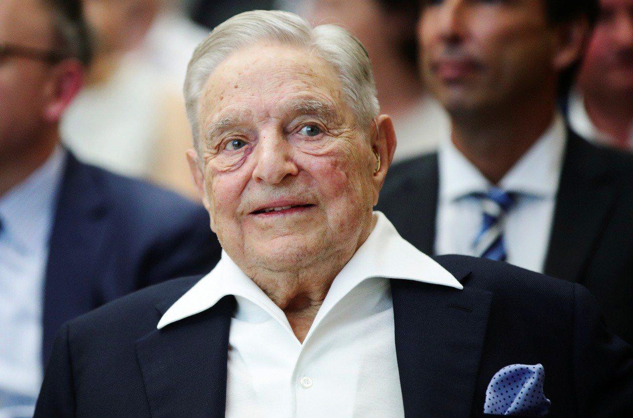 美國18名富豪公開聯名,呼籲政府向0.1%巨富課徵富人稅。圖為億萬富豪索羅斯。路...