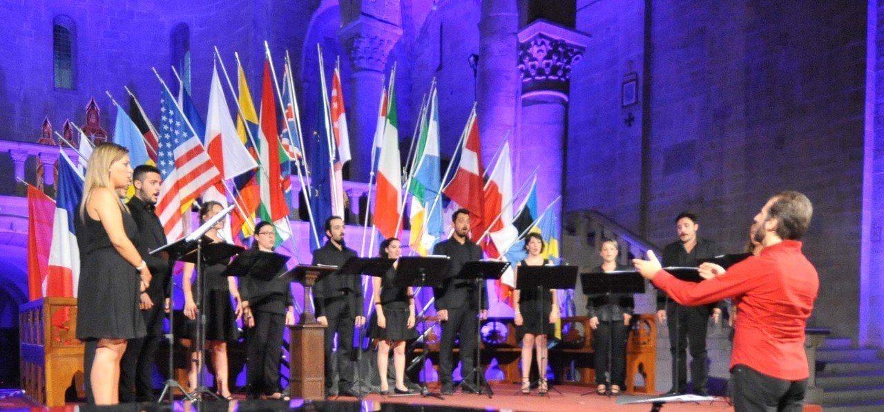 集結義大利青年合唱團菁英所組成的烏特合唱團,將以現代方式解構義大利傳統與文藝復興...