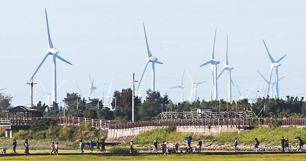 面對能源轉型挑戰,未來電業供應鏈上會有許多創新商業模式。 記者黃仲裕/攝影