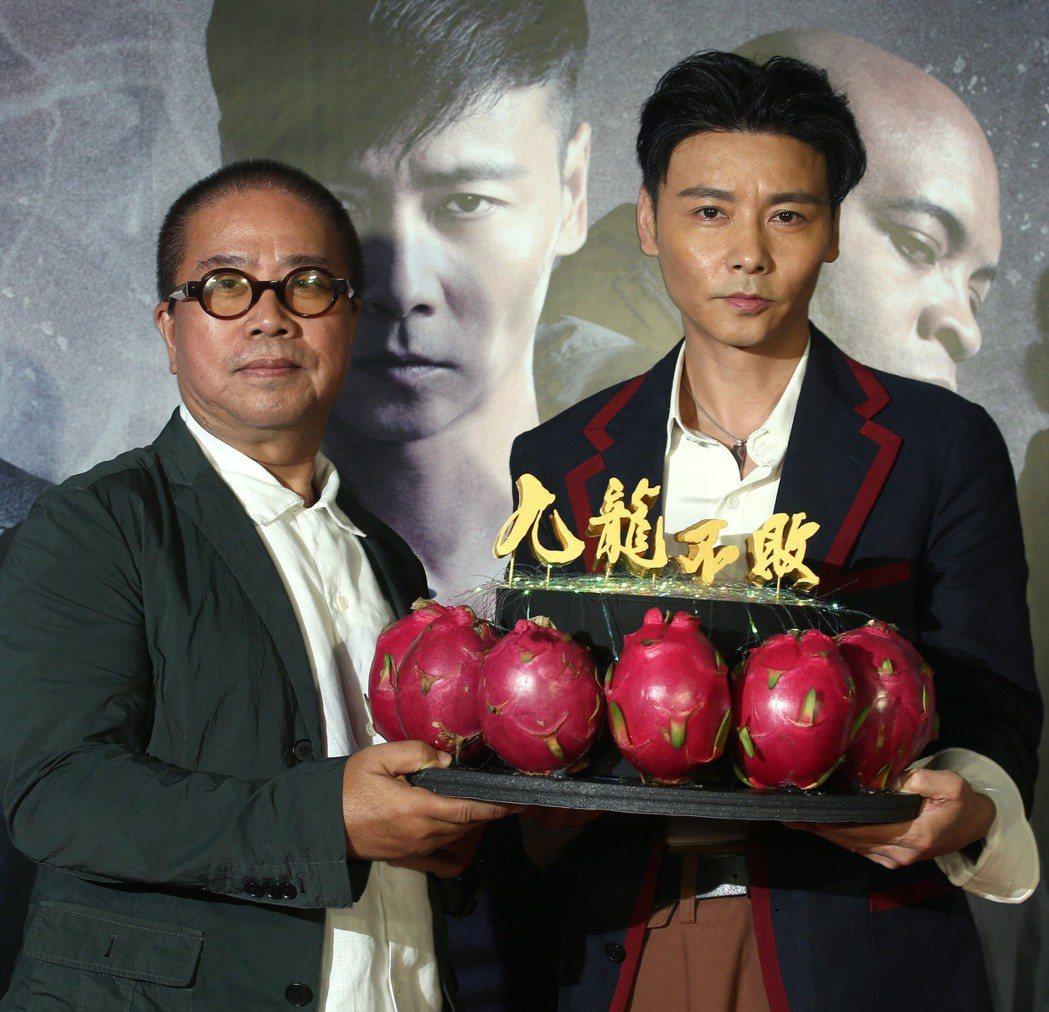 金馬鬼才導演陳果(左)與張晉(右)出席電影《九龍不敗》記者會。記者蘇健忠/攝影