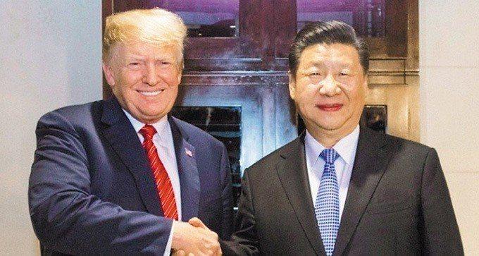 大陸國家主席習近平(右)和美國總統川普。 (新華網)