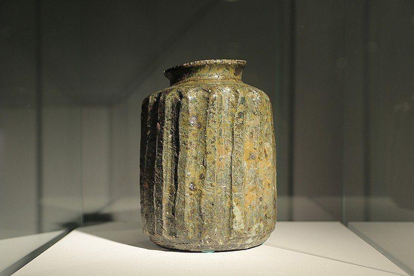 美國陶藝家夏沂汾《溝紋器形》。 陶博館/提供