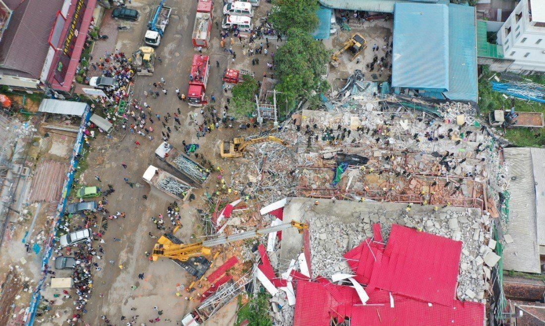 柬埔寨南部港市施亞努22日發生大樓工地塌意外,造成28人死亡、數人失蹤。 路透社