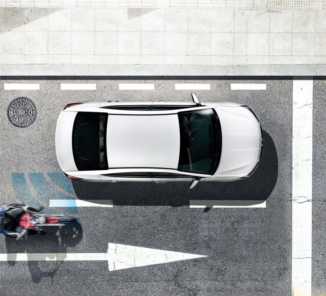 Hyundai All New Elantra首度搭載SEA車門啟閉防撞警示,有...