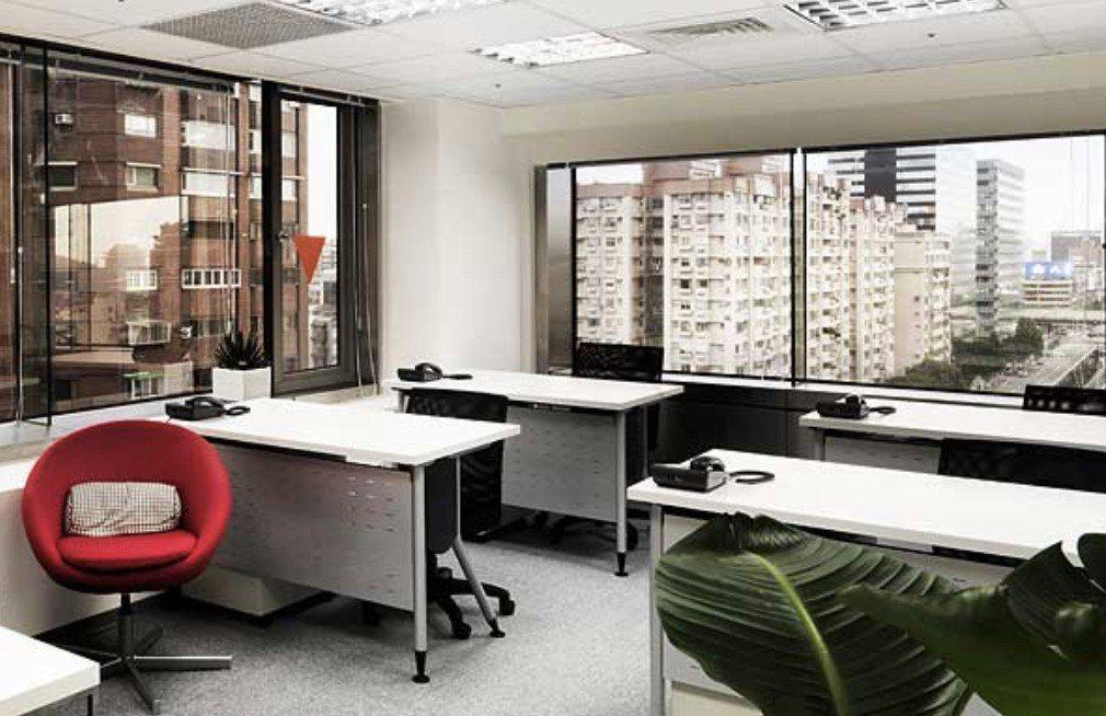 艾迪邇明亮的空間設計,讓許多新創團隊捨不得離開。 艾迪邇/提供