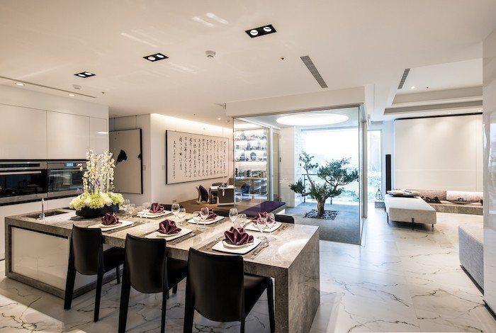 「中陽森」建材採用高強度與耐久性為第一考量,室內石材高雅耐用。 圖/中陽森提供