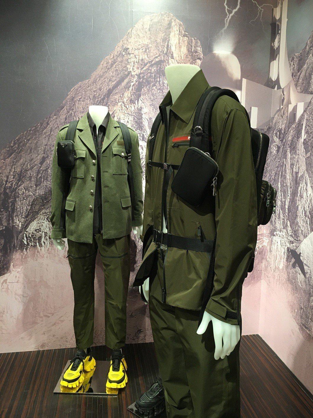 男性背包更是附上多扣環的背帶,讓人可以自行再增添其他多個包款,展現繁複裝備loo...