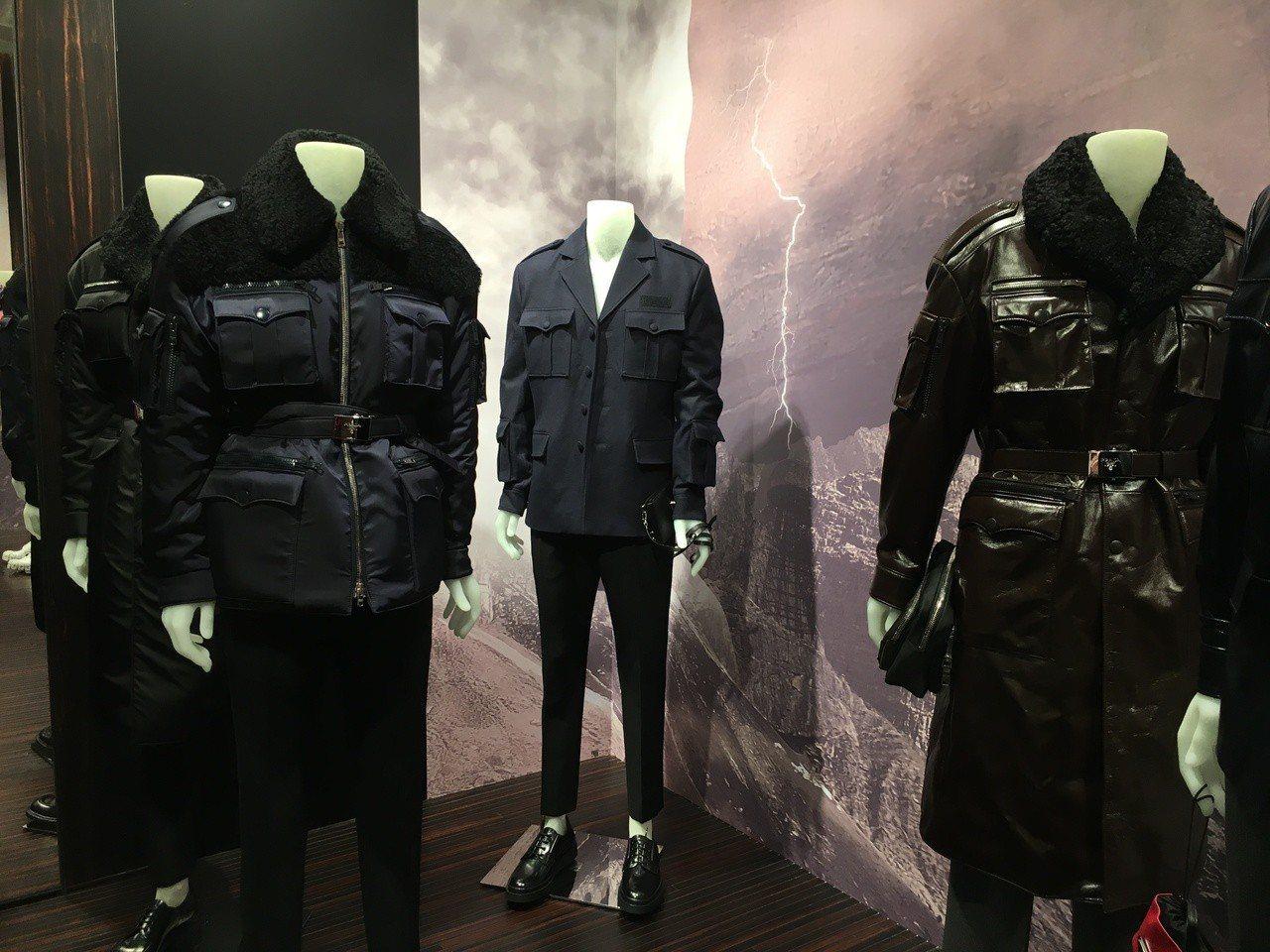紮進褲子裡的西裝外套、毛衣以及用皮帶圍繞的大衣,強調腰身線條。記者吳曉涵/攝影