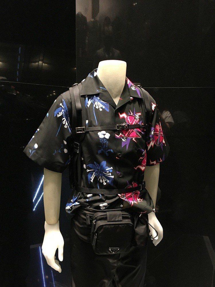 Prada標誌性的人氣商品印花襯衫上,也印有Jeanne Detallante打...