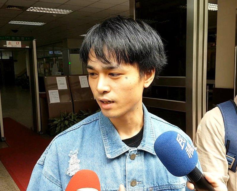 男子雙人團體「Under Lover」成員胡睿兒被控在夜店撿屍性侵,台北地院依乘機性交罪判胡2年徒刑,高等法院今駁回上訴。  本報系資料照片