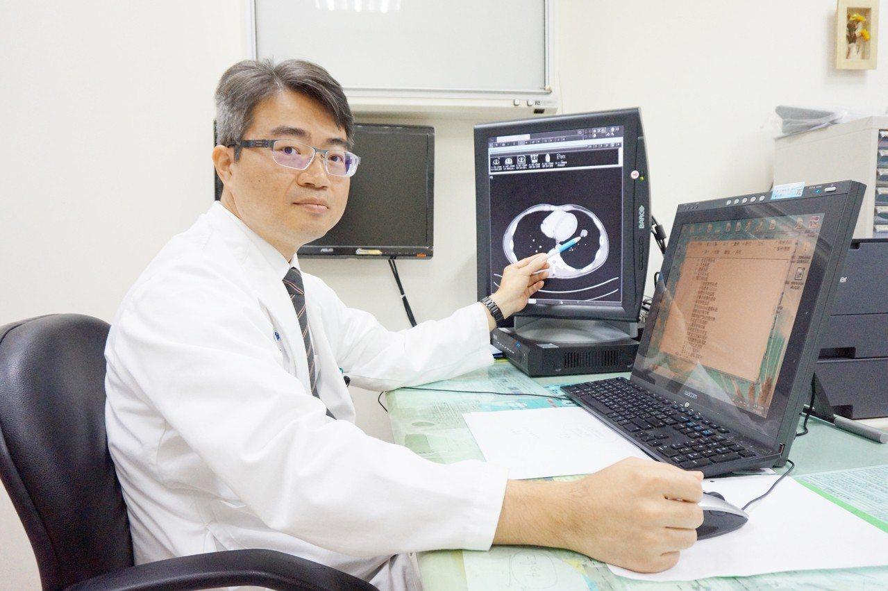 一名27歲竹科工程師患有慢性咳嗽症狀,由於病情不影響日常生活而遲遲未就醫,直到出...