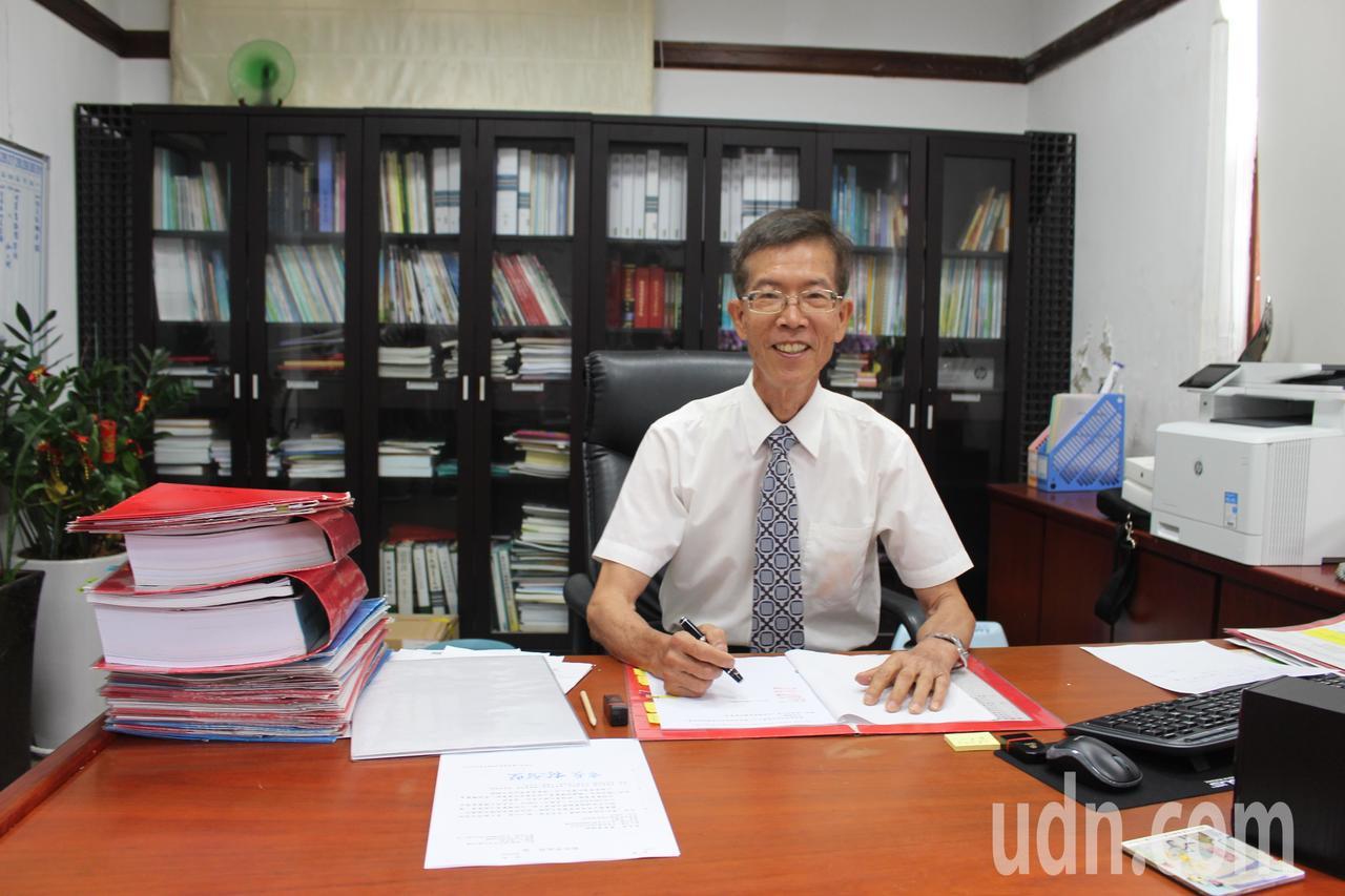 竹市府教育處長黃錦能新官上任。記者張雅婷/攝影