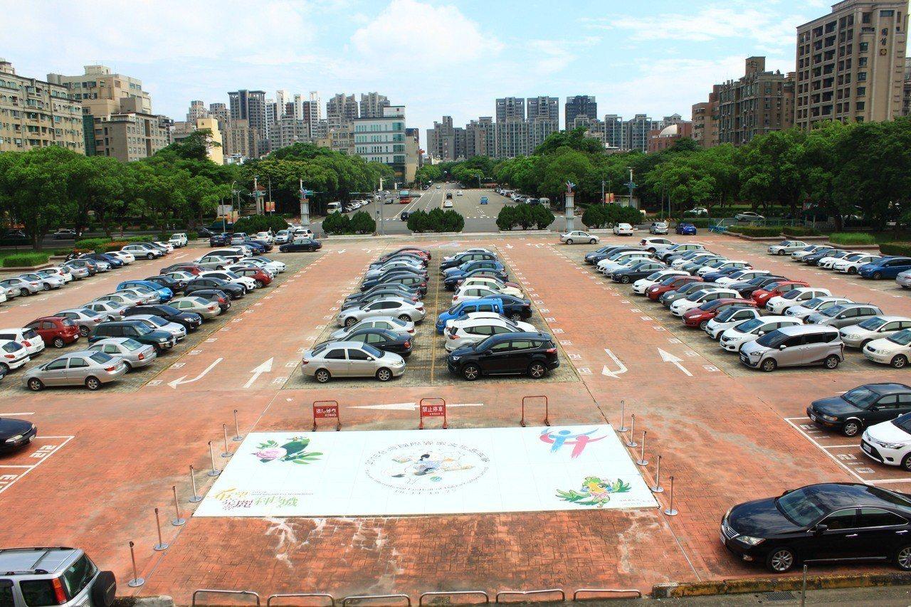 韓國瑜周日將到新竹縣舉辦造勢場,這場是初選前的封關造勢的重要一役,地方認為當天會...