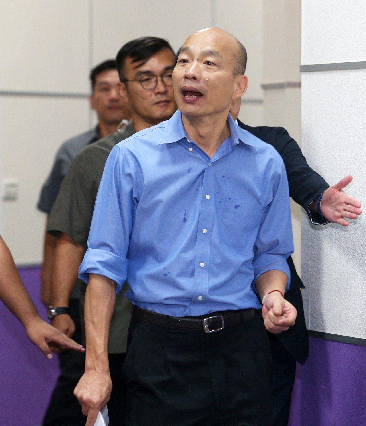 高雄市長韓國瑜表示昨天說,團隊工作認真到「爆肝」,「爆肝」是形容詞,跟喝酒一點關...