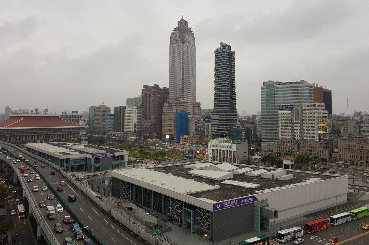 台北雙子星(C1、D1)開發案基地位於台北車站旁、機場捷運兩棟建築上。 聯合報系...