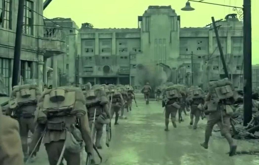電影「八佰」劇照。圖/翻攝自youtube