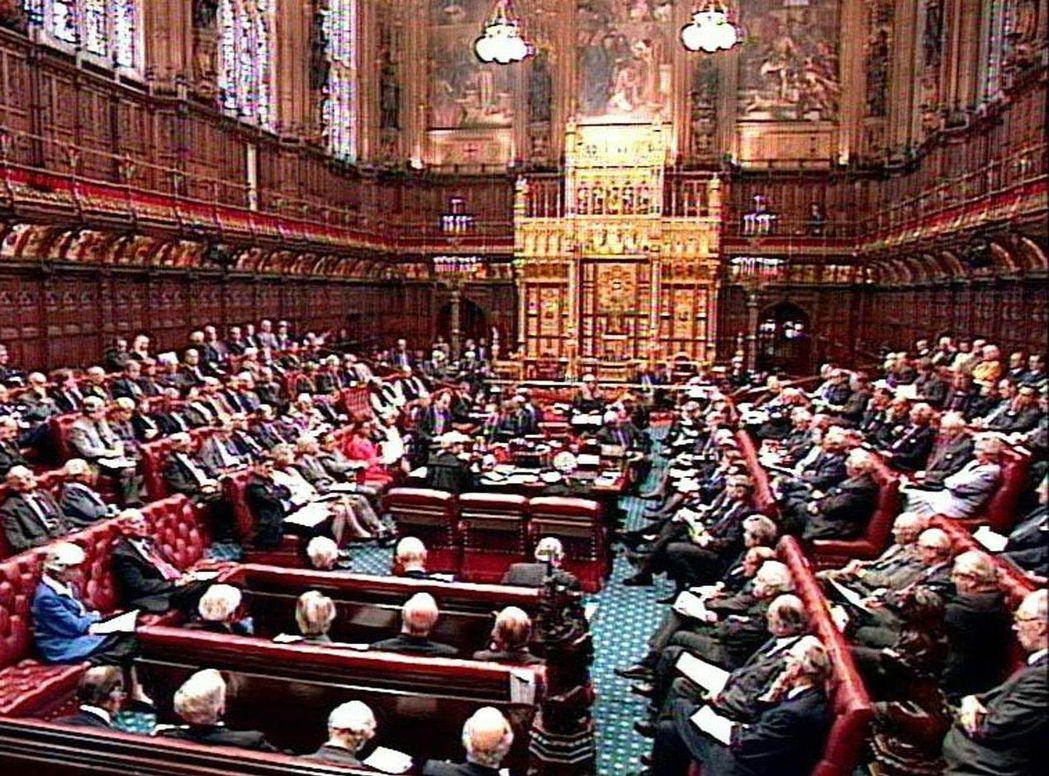 英國上議院議員目前有57%出身私校。 (法新社)