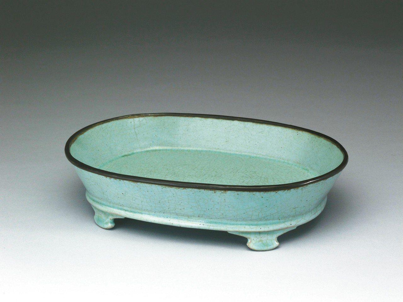 汝窯青瓷水仙盆。 圖/故宮提供