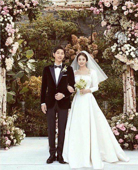 雙宋在2017年10月舉行婚禮。 圖片來源/宋慧喬IG