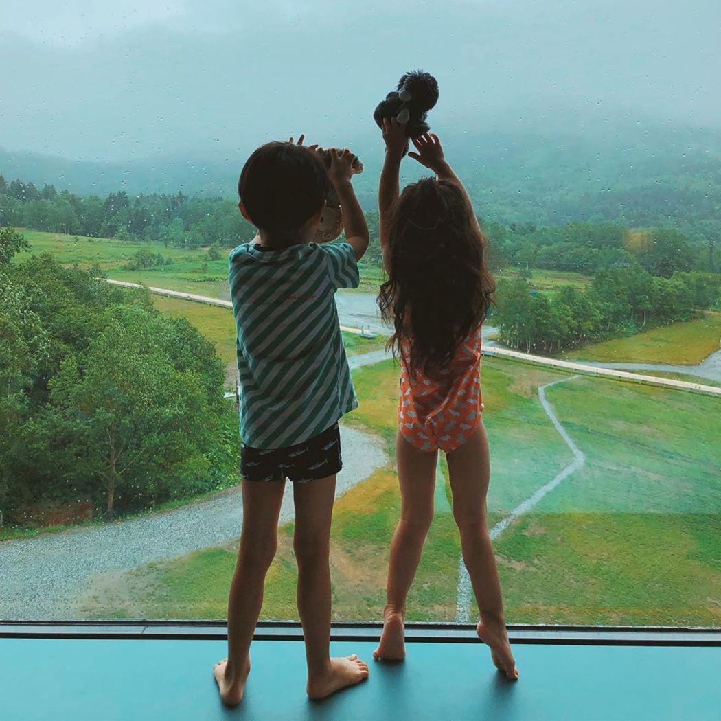隋棠帶3娃到北海道旅遊。圖/擷自IG