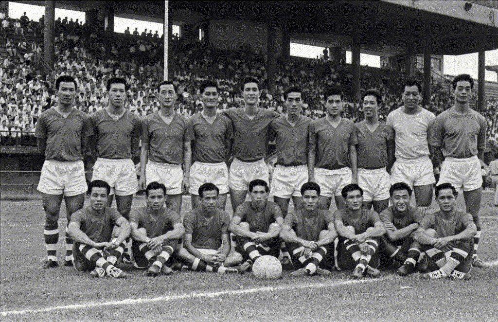 1962年,亞運足球代表隊選拔賽中港華足球隊合影。 圖/聯合報系資料照