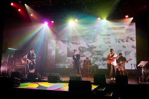 2019金曲國際音樂節26日登場,首晚演出嘉賓如同聯合國般,包含茄子蛋、桑梅絹、三十萬年老虎鉗,還有來自馬來西亞的另類樂團The Venopian Solitude以及泰國當紅樂團Getsunova...