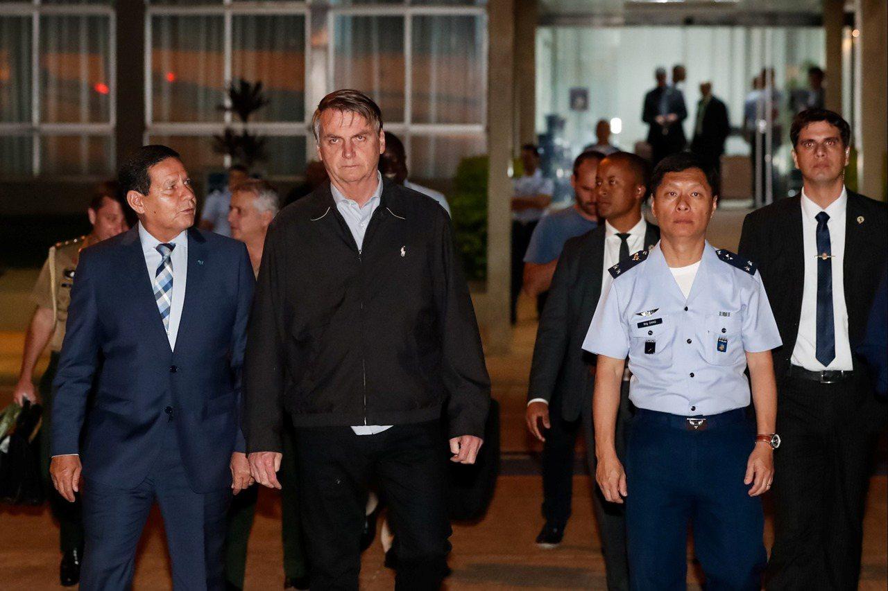 巴西總統波索納洛25日從首都巴西利亞空軍基地啟程,前往日本大阪參加G20高峰會。...