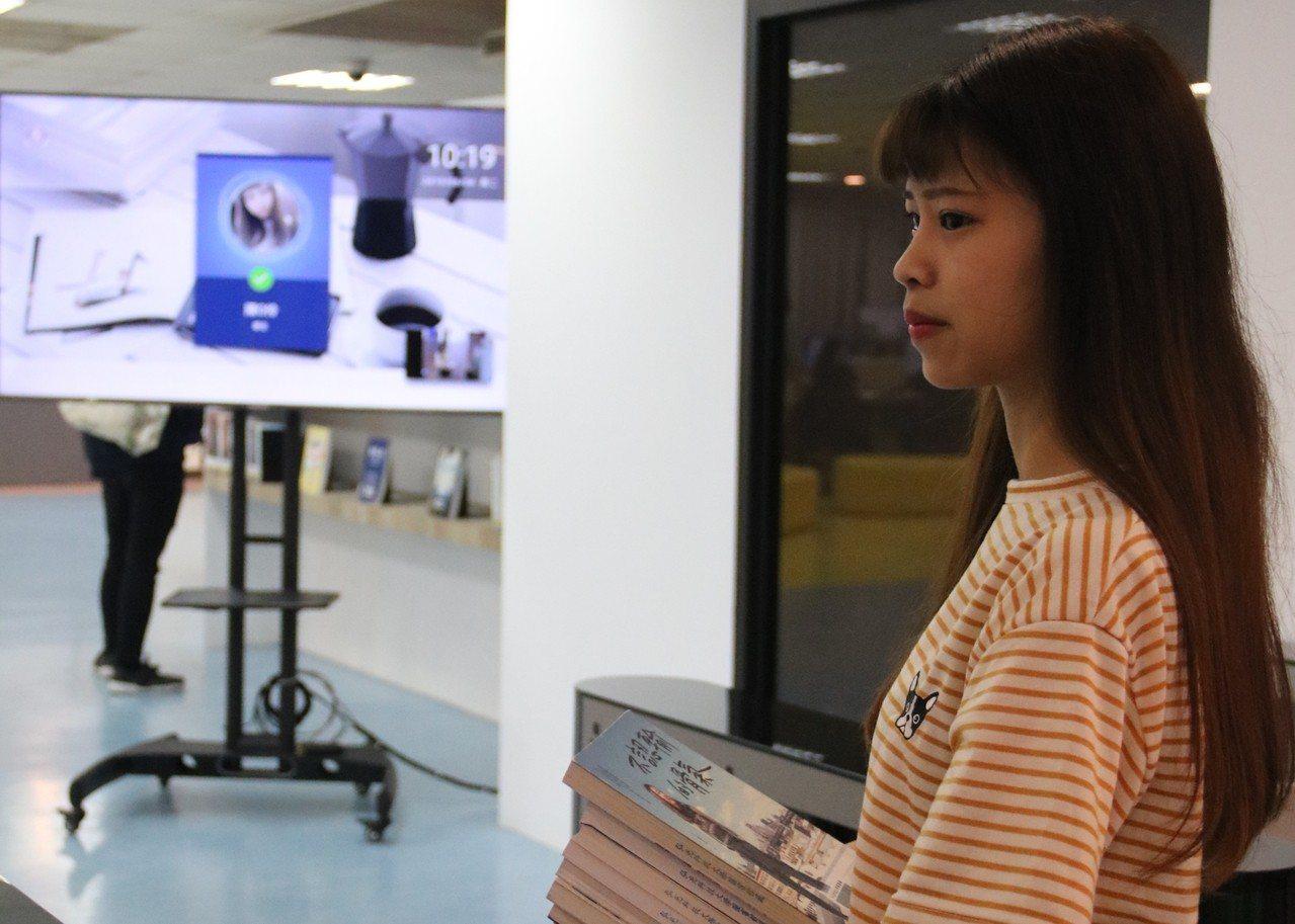 弘光科大宿舍新設人臉辨識系統,雙胞胎也分得出來。記者游振昇/攝影