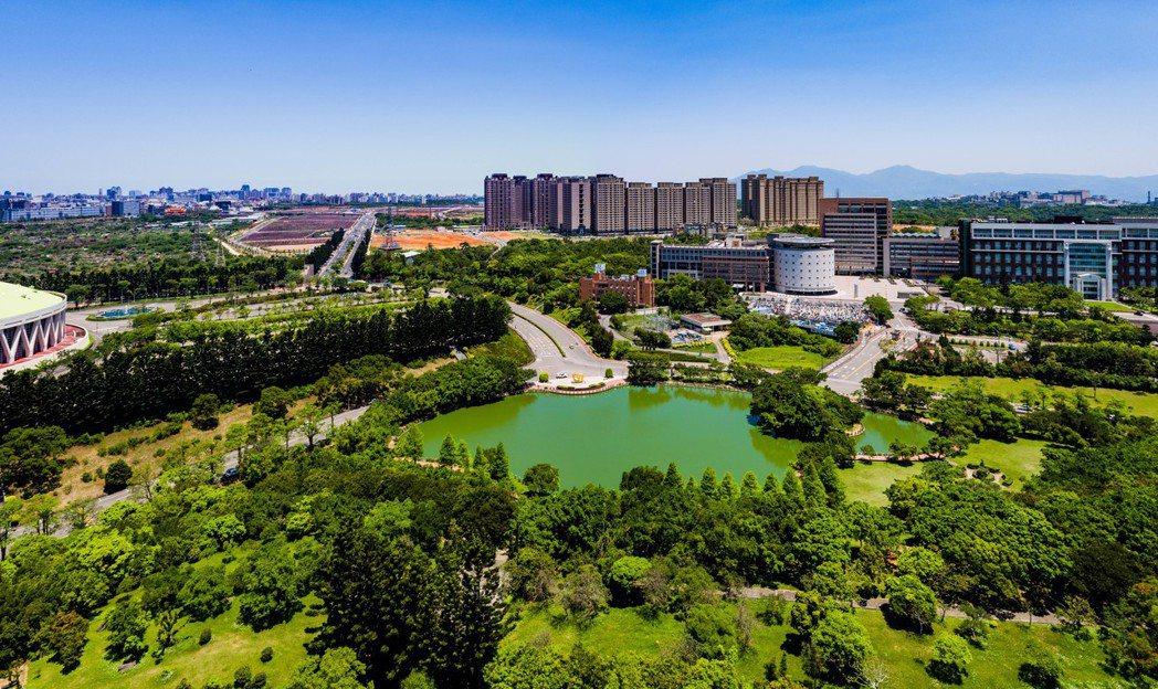 北台灣預售屋餘戶最多的是龜山地區,預售餘屋達3,204戶,供給量大多來自於近期推...