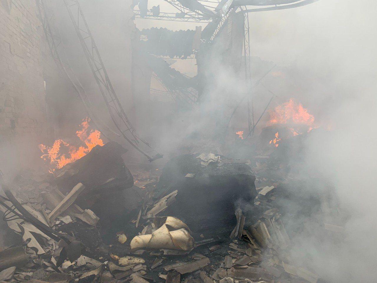 清水泡棉工廠大火 燒毀300坪工廠損失20萬元