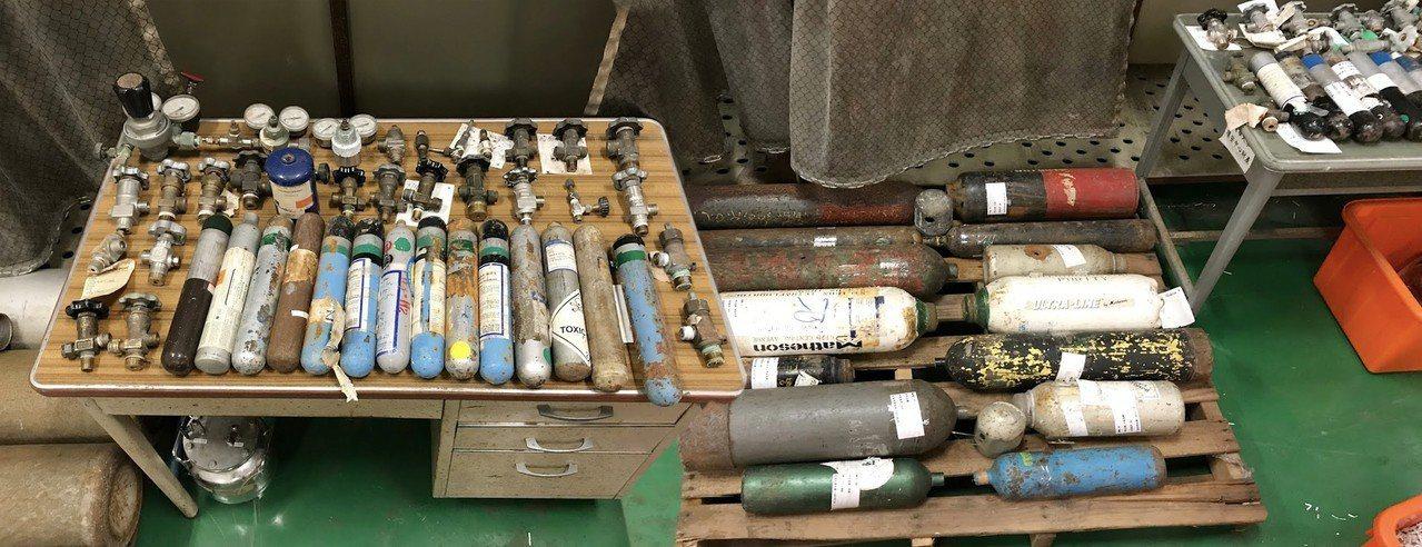清華大學已成功處理61支老舊氣體鋼瓶。圖/清大提供