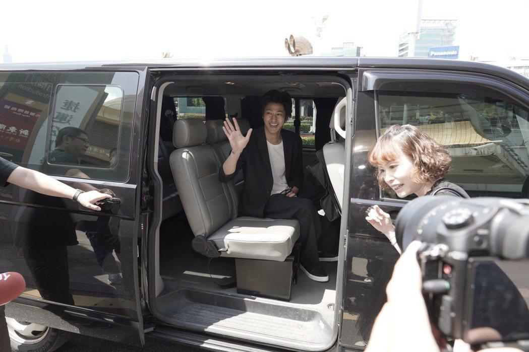 2019台灣美食展宣傳大使速水茂虎道27日上午抵達台北松山機場。圖/台灣觀光協會