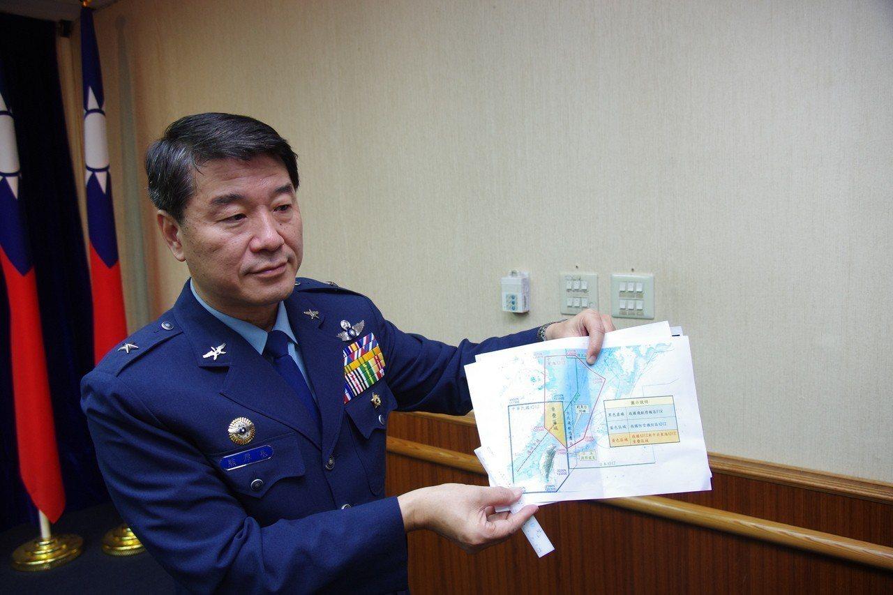 103年8月26日,時任空軍作指部少將參謀長的熊厚基,在國防部記者會指出:中共運...