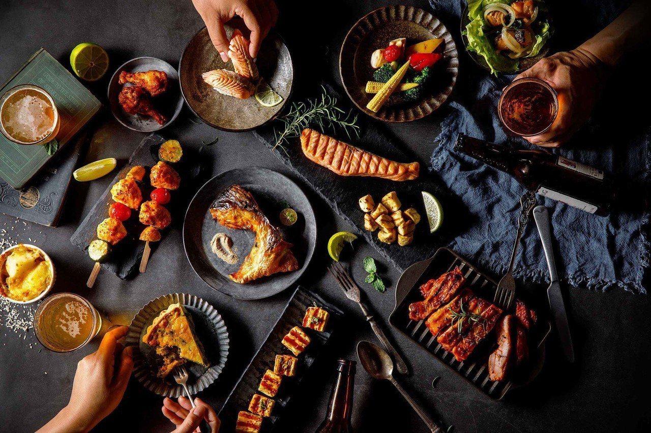 「美威鮭魚京站店」以美酒搭海鮮,在美食街眾多餐飲品牌中殺出重圍。圖/美威鮭魚提供