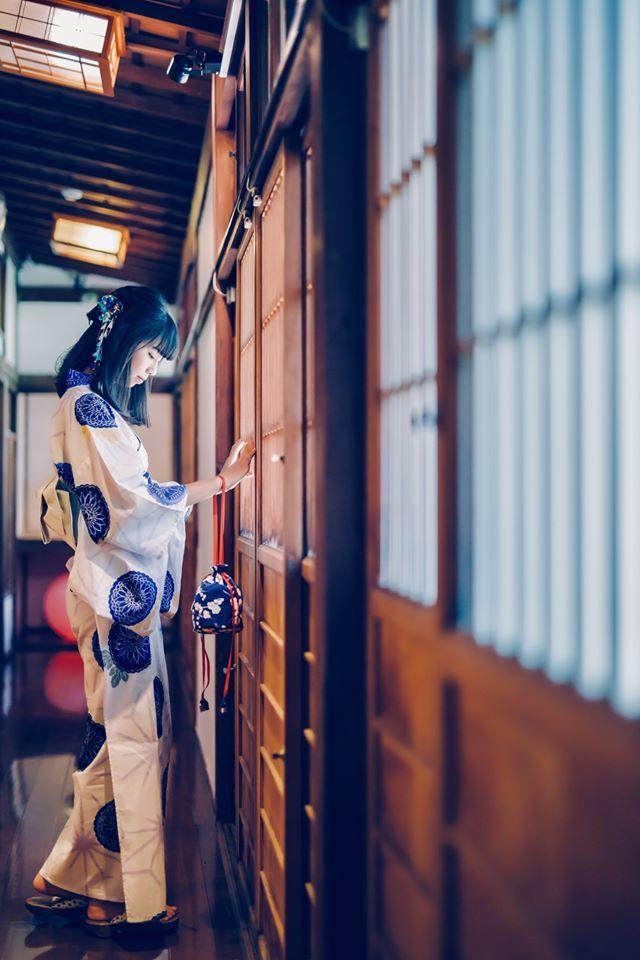 楊睿慈是嘉義市近年來嶄露頭角的長跑好手,拍攝的宣傳照展現運動員的另一面。照/取自...